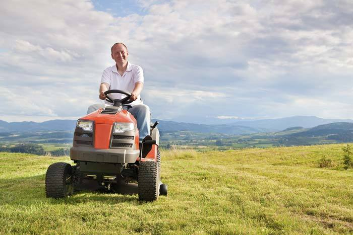 What Are The Different Kinds of Riding Lawn Mowers For Hills